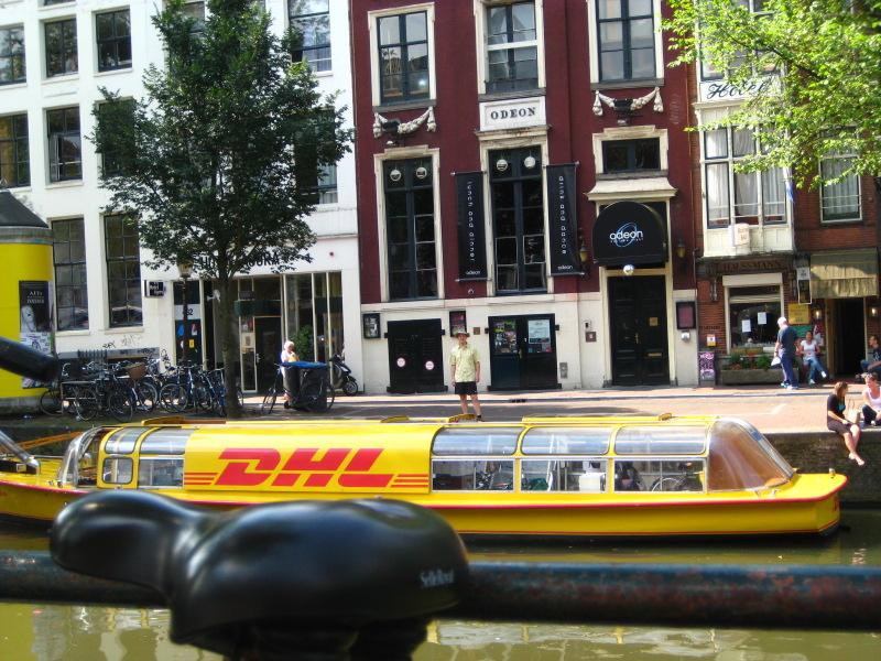 Ich und das DHL-Boot
